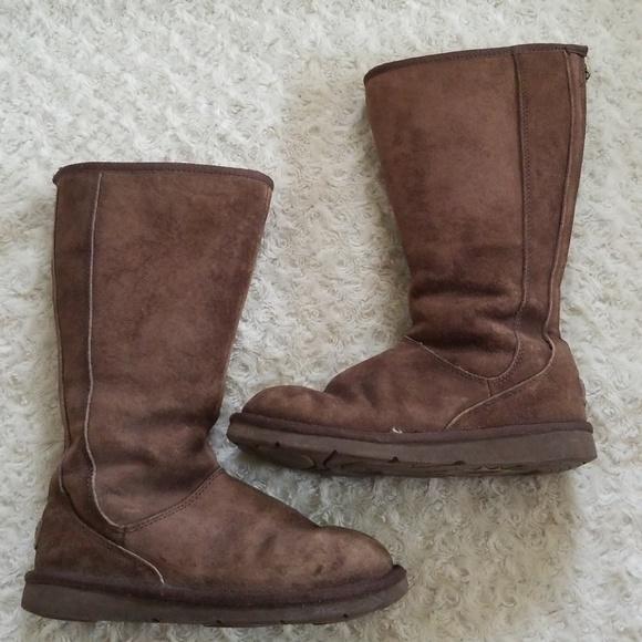 35d8eace96f UGG KnightsBridge Boots